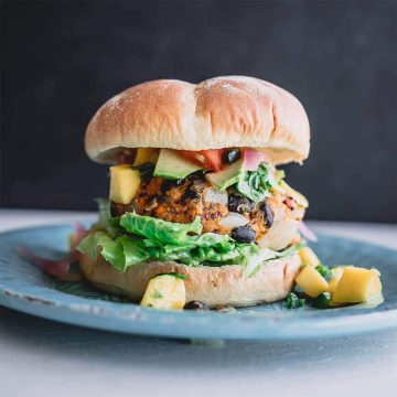 How to make an organic burger at home?